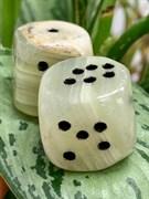 Кубики игральные из камня Оникс зеленый (2шт) арт. 63698, Импортер: ИП Ермошенков А.М. Радуга самоцветов